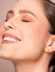 LH Cosmetics - Blotting powder - puder - clear - 1