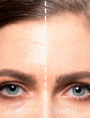 LH Cosmetics - Blotting powder - puder - clear - 3