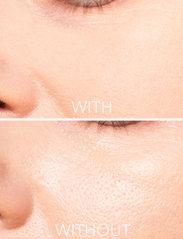 LH Cosmetics - Blotting powder - puder - clear - 4