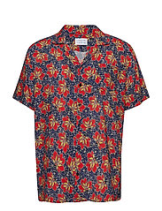 Cave S/S - RED LOTUS