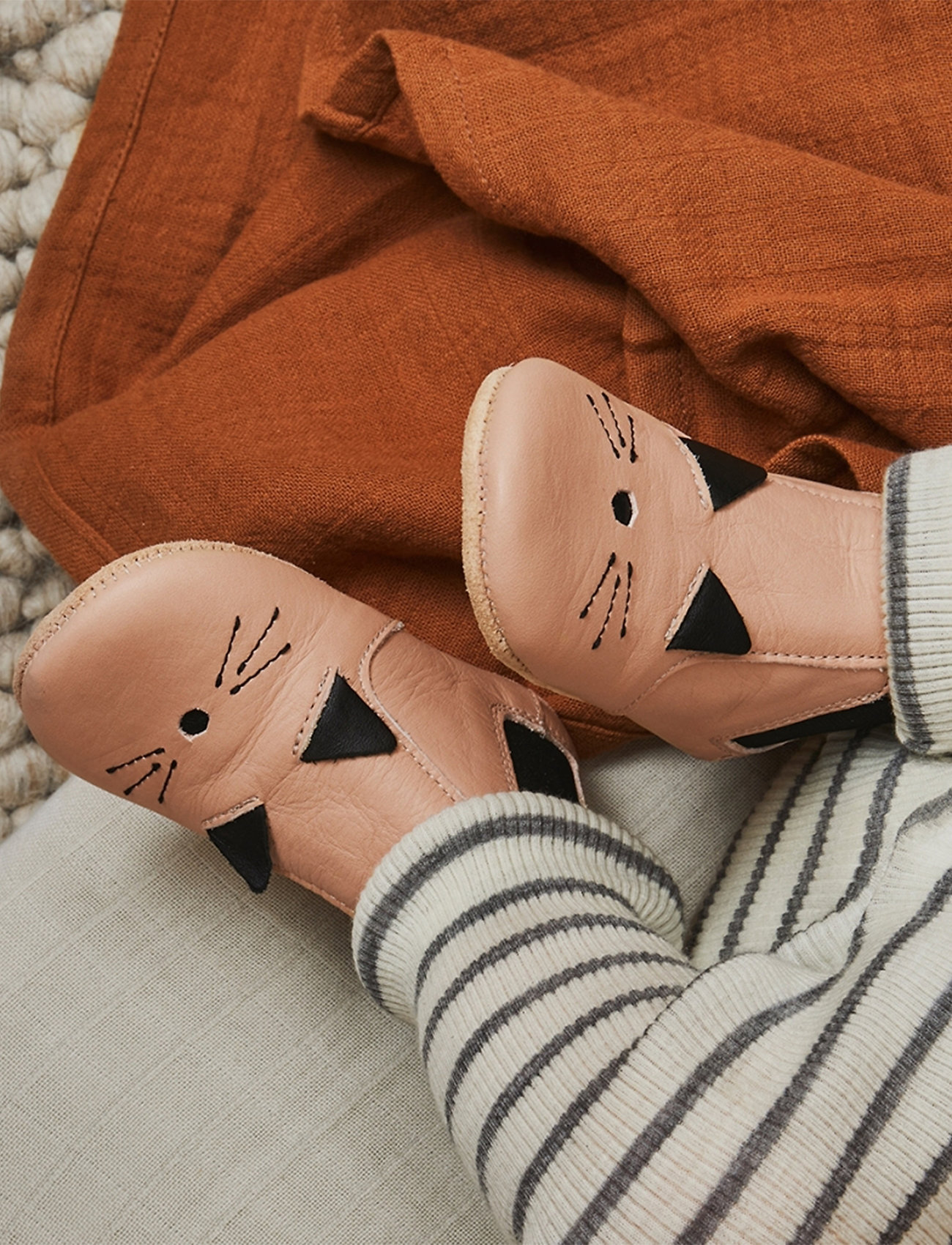 Liewood - Edith leather slippers - domowe - cat rose - 0