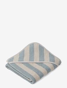 Alba hooded towel - ręczniki i szmatki - y/d stripe