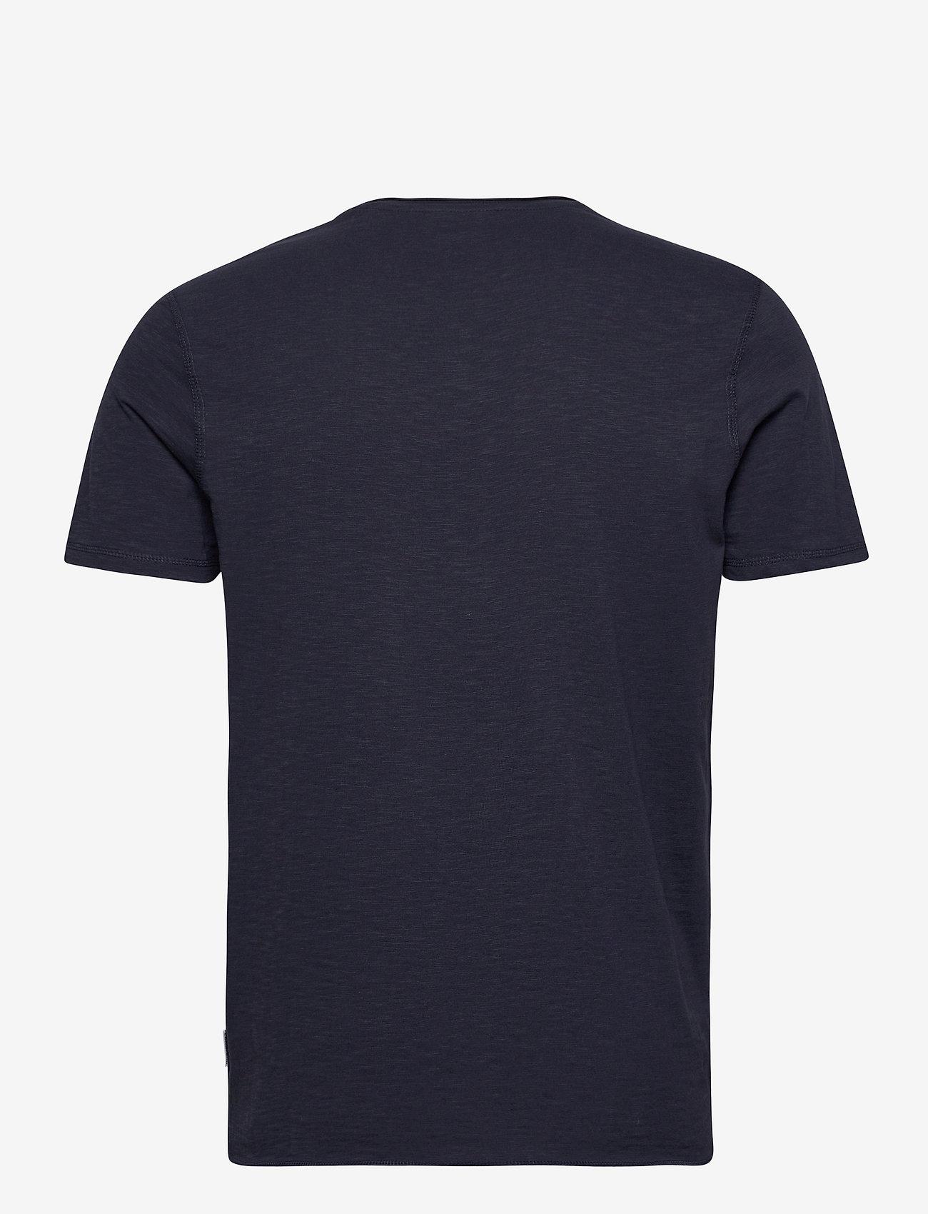 Lindbergh Raw o-neck tee S/S - T-skjorter DK BLUE - Menn Klær