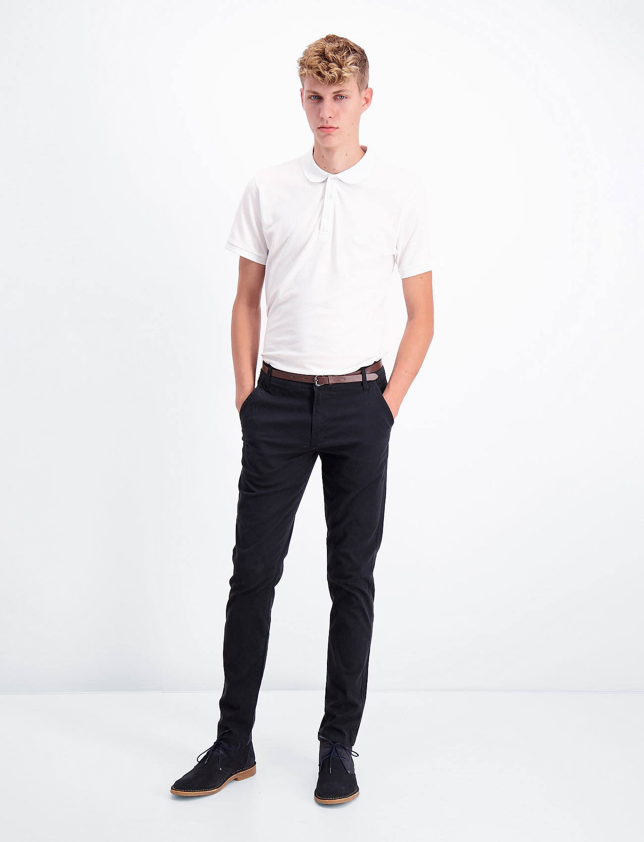 Lindbergh - Classic stretch chino W. belt - chinot - black