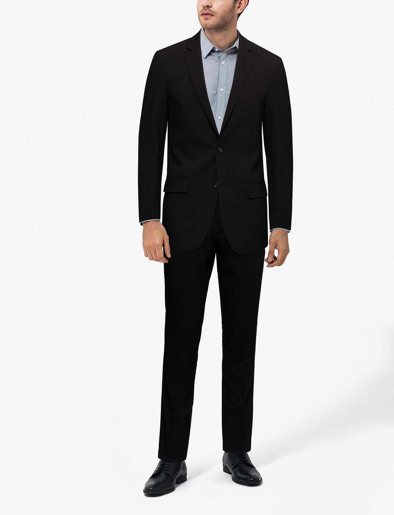 Lindbergh Mens suit