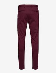 Lindbergh - Knitted pants normal length - spodnie na co dzień - red mix - 2