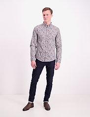 Lindbergh - Ditsy floral print shirt L/S - chemises décontractées - white - 0