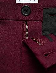 Lindbergh - Knitted pants normal length - spodnie na co dzień - red mix - 4