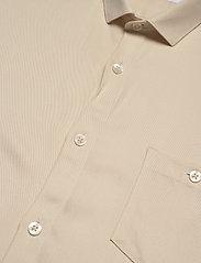 Lindbergh - Viscose shirt S/S - peruspaitoja - light sand - 2