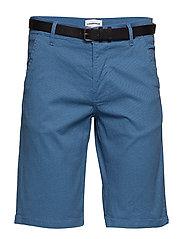 AOP chino shorts w. belt - DK BLUE