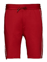 Track shorts w. piping - RED