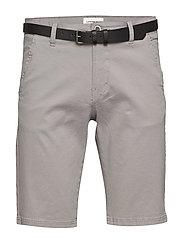Classic chino shorts w. belt - SILVER