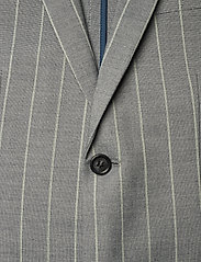 Lindbergh - Striped suit w/shorts - casual shorts - grey - 2