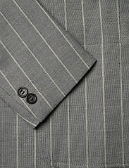 Lindbergh - Striped suit w/shorts - casual shorts - grey - 3