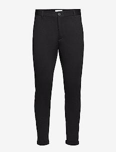 Superflex knitted cropped pant - puvunhousut - black