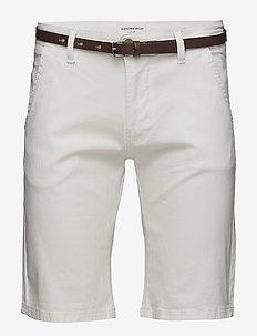 Classic chino shorts w. belt - chinos - white