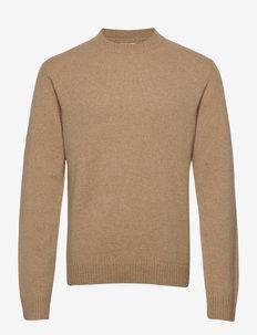 Lambswool o-neck knit - basisstrikkeplagg - camel
