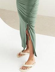 Lindex - Dress Debbie - kveldskjoler - green - 4
