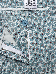 Line of Oslo - Carla print - casual shorts - blue - 5