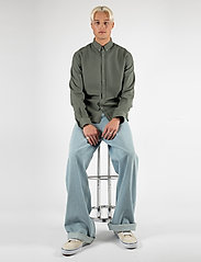 LJUNG by Marcus Larsson - Washed Twill Shirt - geruite overhemden - hedge green - 0