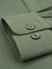 LJUNG by Marcus Larsson - Washed Twill Shirt - geruite overhemden - hedge green - 4