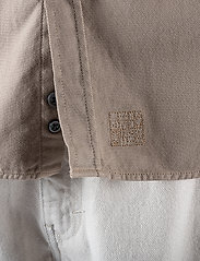 LJUNG by Marcus Larsson - Washed Twill Shirt - chemises à carreaux - sand - 7