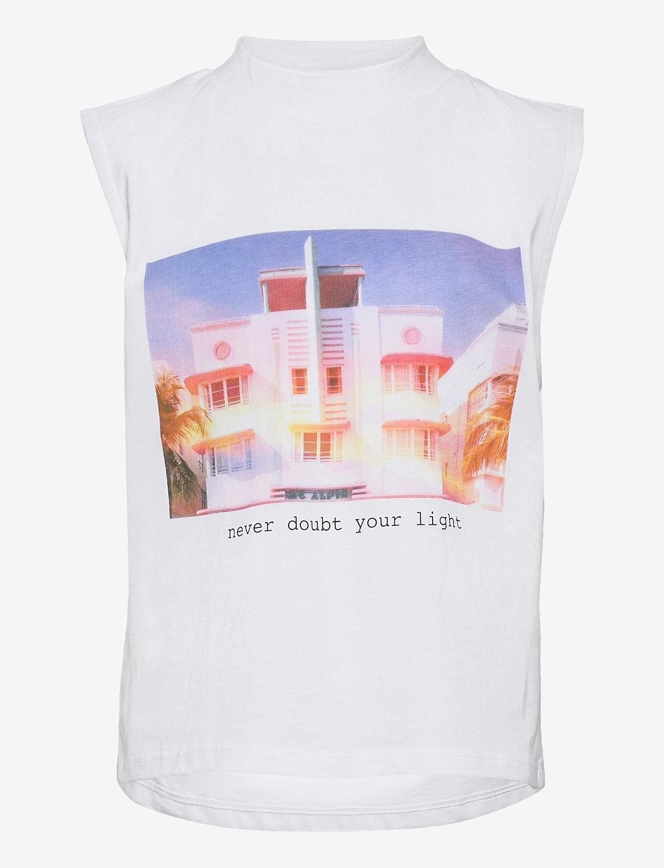 LMTD - NLFHEKPEN SL SHORT R TURTLENECK TOP - t-shirts - bright white - 0