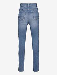 LMTD - NLFPIL DNMBATEJAS 2455 HW ANCLE PANT - jeans - medium blue denim - 1