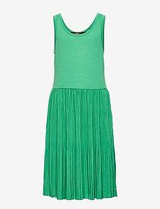 NLFFIRENZE SL PLEATED DRESS - sukienki - leprechaun