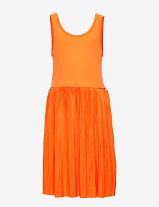 NLFFIRENZE SL PLEATED DRESS - SUN ORANGE