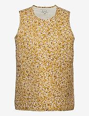 Lollys Laundry - Dale Vest - puffer vests - 57 mustard - 0