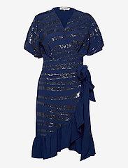 Lollys Laundry - Ankara Dress - cocktail-kjoler - 29 dusty blue - 0