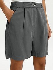 Lounge Nine - LNDitta shorts - shorts casual - sedona sage - 5