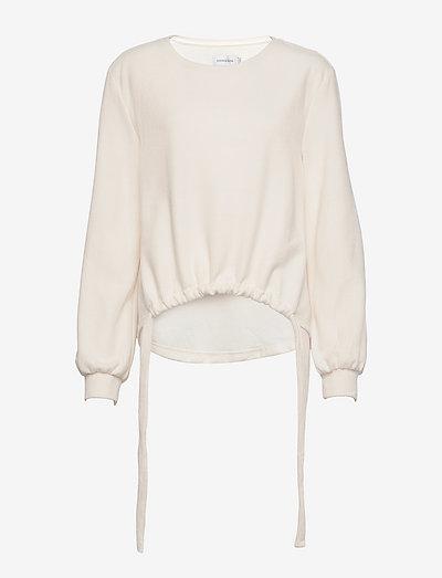 LNCryma Sweatshirt - sweatshirts & hoodies - eggnog