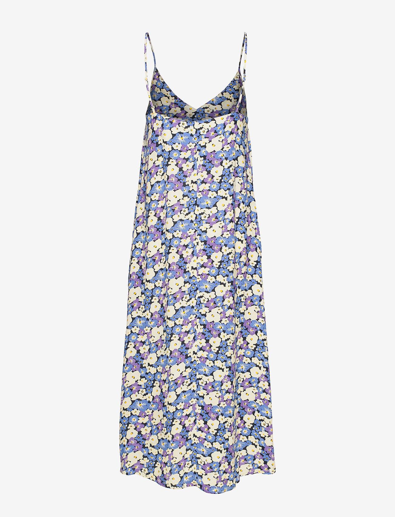 Dalila Dress (Chalk Violet) (1895 kr) - Lovechild 1979