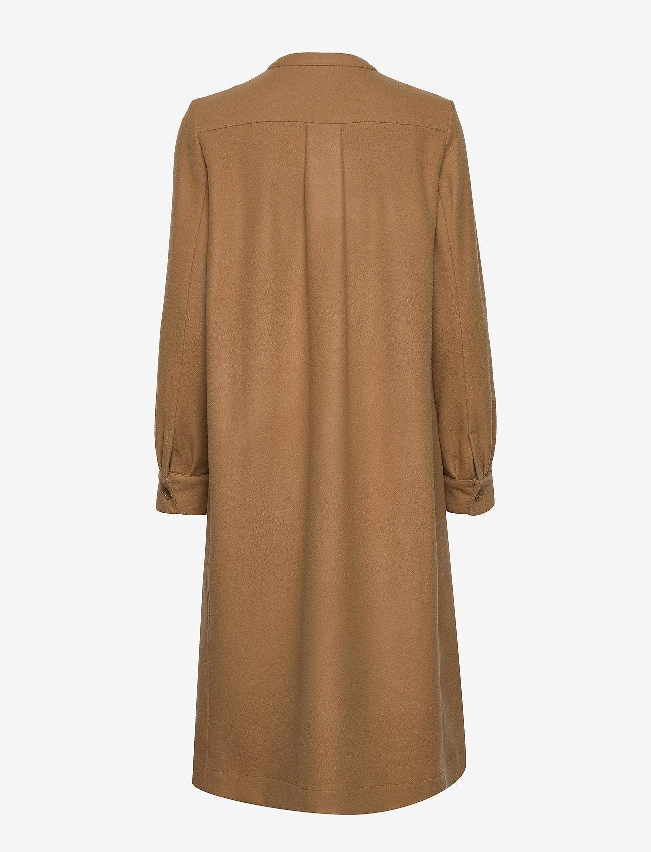 Paula Dress (Camel) (2577 kr) - Lovechild 1979