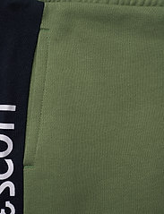 Lyle & Scott Junior - Lyle Panel BB Jog Hedge Green - sweatpants - hedge green - 3