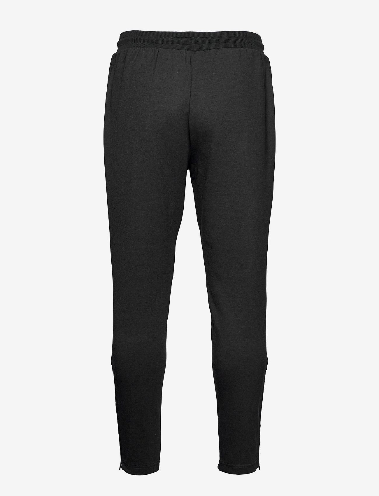 Lyle & Scott Sport - Fly Fleece Trackies - spodnie treningowe - true black - 1