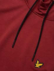 Lyle & Scott Sport - Superwick OTH Midlayer - basic sweatshirts - turbo red - 2