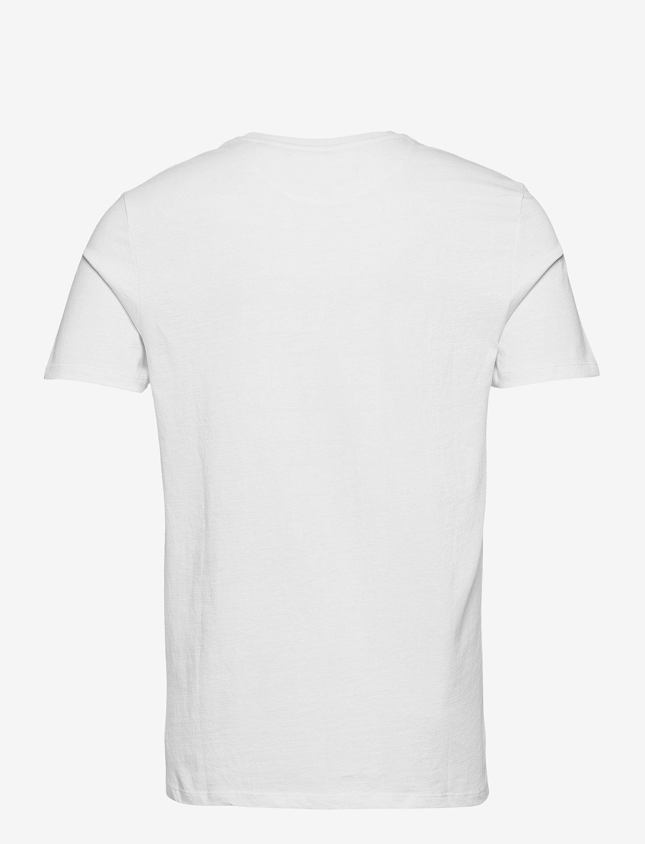 Lyle & Scott - Contrast Pocket T Shirt - t-shirts à manches courtes - white/ deck blue - 1