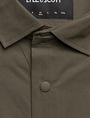 Lyle & Scott - Zip Pocket Overshirt - overshirts - olive - 2
