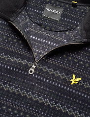 Lyle & Scott - Fairisle Fleece Half Zip - mid layer jackets - z865 jet black - 2
