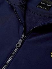 Lyle & Scott - Zip Through Funnel Neck Soft Shell Jacket - kurtki-wiosenne - navy - 3