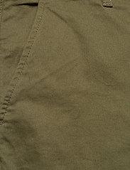 Lyle & Scott - Chino Short - chinos shorts - lichen green - 2