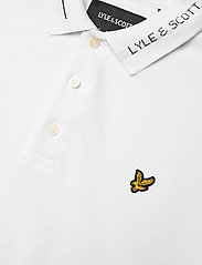 Lyle & Scott - Seasonal Branded Collar Polo Shirt - polos à manches courtes - white - 2