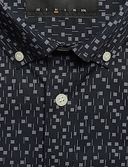 Lyle & Scott - SS Print Shirt - lyhythihaiset paidat - dark navy micro tile print - 3