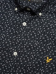 Lyle & Scott - SS Print Shirt - lyhythihaiset paidat - dark navy micro tile print - 2