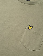 Lyle & Scott - Relaxed Pocket T-shirt - t-shirts basiques - moss - 2