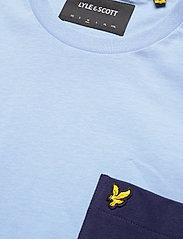 Lyle & Scott - Contrast Pocket T Shirt - t-shirts à manches courtes - fresh blue/ navy - 2