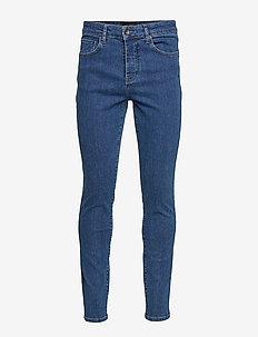 Slim Fit Jean - MID WASH